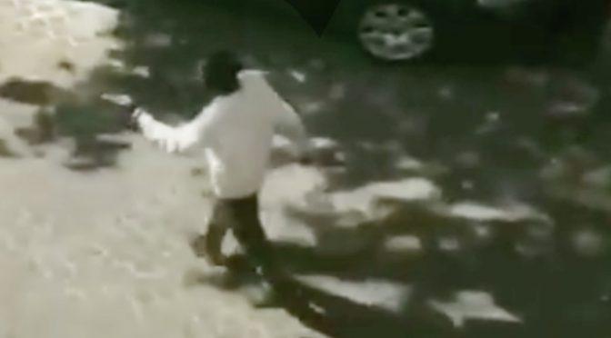 Nigeriano armato di coltello a caccia di italiani a Vercelli
