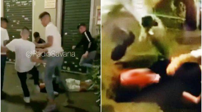 Brutale pestaggio, branco li massacra a calci a pugni – VIDEO