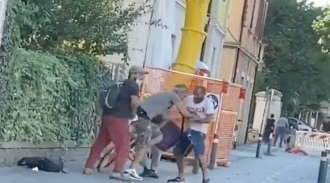 Ragazzo italiano massacrato di botte da 3 immigrati – VIDEO