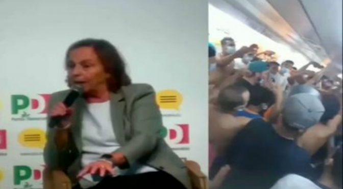 Dopo proteste ONG, Lamorgese blocca trasferimenti immigrati positivi: devono stare in hotel