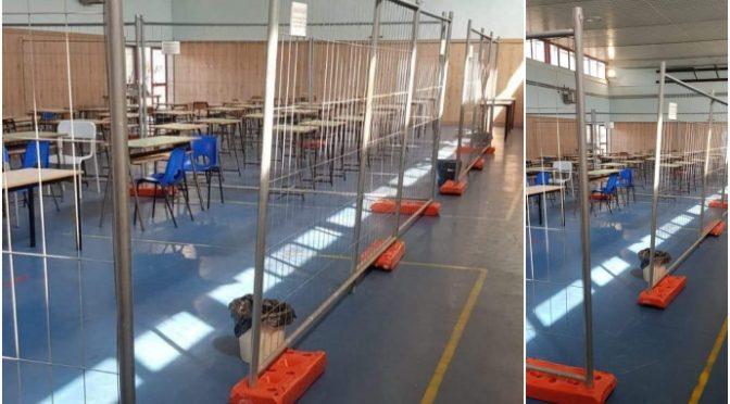 Bimbi a scuola in gabbia, genitori li portano via – VIDEO