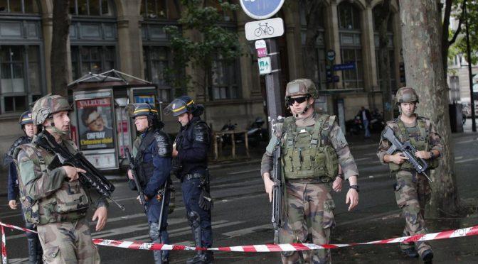 Avignone,col coltello al grido Allah Akbar: è attacco islamico alla Francia cristiana