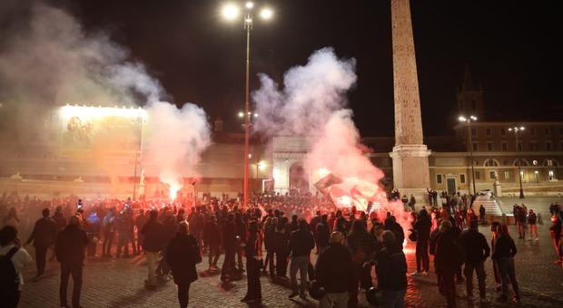 """GOVERNO FA CARICARE LA FOLLA CHE REAGISCE AL GRIDO """"LIBERTA'.."""" – VIDEO"""