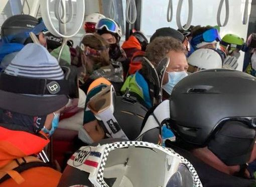 Aperta stagione sci Cervinia, tutti ammassati in coda
