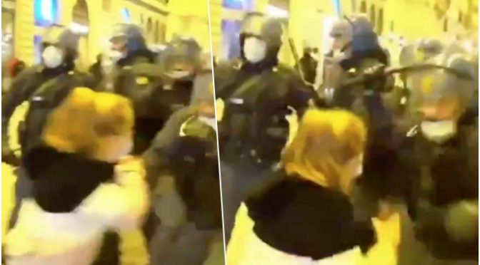Lamorgese fa manganellare ragazzina anti-governo – VIDEO CHOC