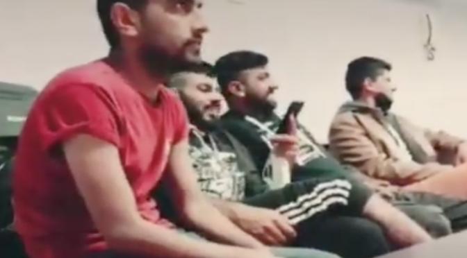 Covid non c'è per immigrati: tutti assembrati nei locali senza mascherina – VIDEO