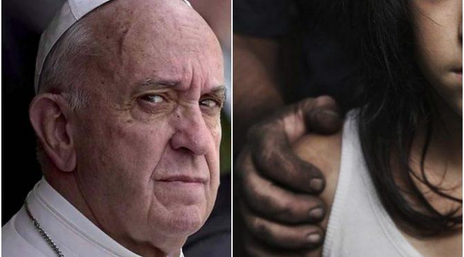 """Bergoglio: """"Migranti hanno diritto a soddisfare i propri bisogni dove vogliono"""""""