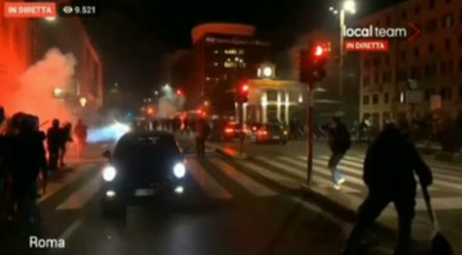 Lockdown, Rivolta dilaga a Roma: marcia verso Palazzo Chigi – VIDEO