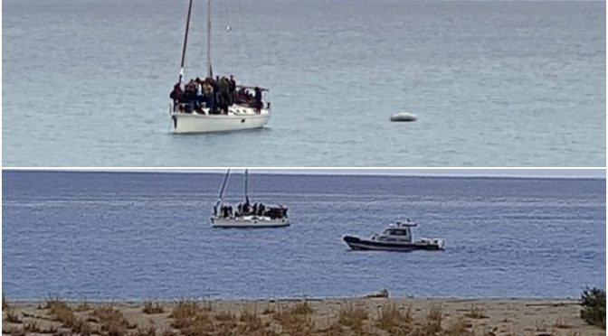 Ondata di sbarchi a Natale: navi scaricano centinaia di islamici, è invasione