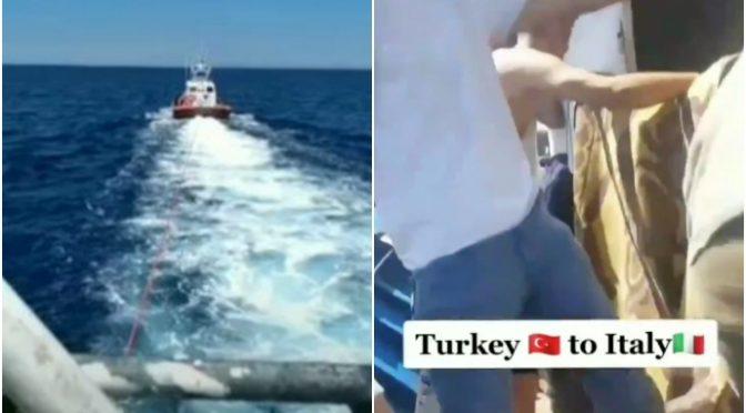 Conte traina barcone con 50 islamici mentre chiude gli italiani in casa