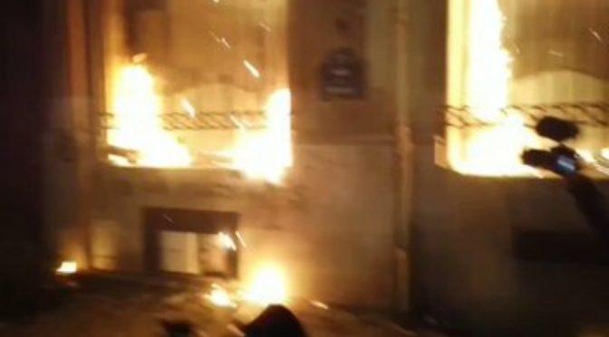 Francia: afroislamici celebrano 14 luglio distruggendo le città, decine di auto bruciate – VIDEO