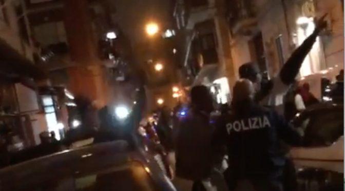 Spacciatori africani circondano poliziotti: aggressione per liberare 'collega'