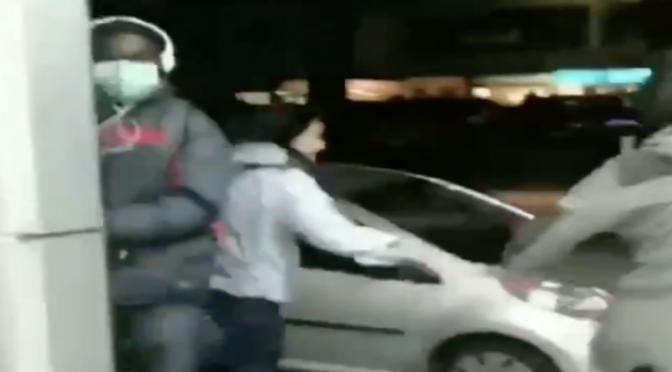 Rom sorprese a rubare in negozio cinese vengono 'frustate' – VIDEO