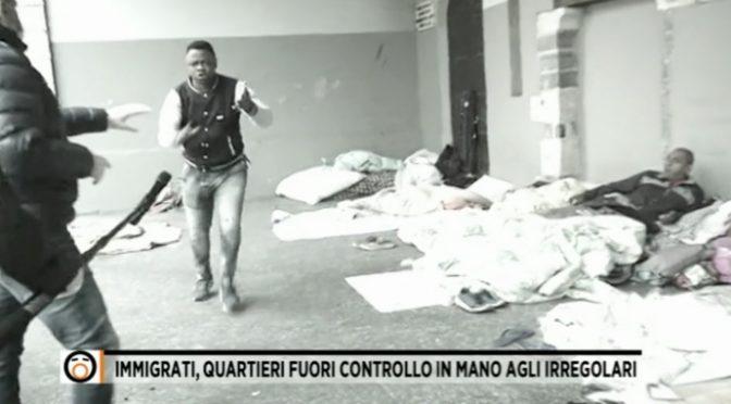 Don Roberto è morto ma i suoi migranti stuprano e aggrediscono – VIDEO