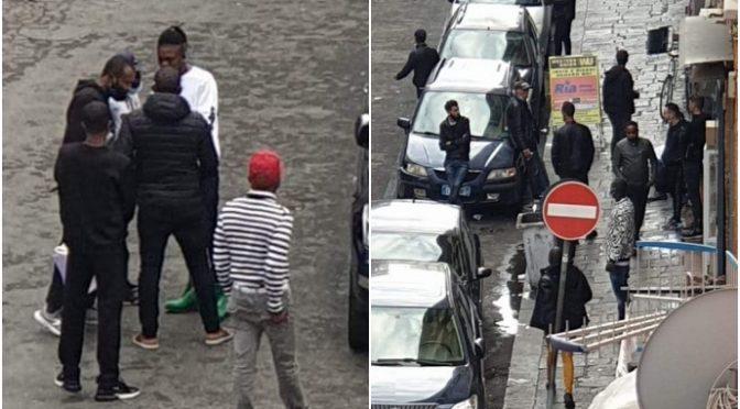 Zona rossa ma non per gli africani: fanno quello che vogliono – FOTO