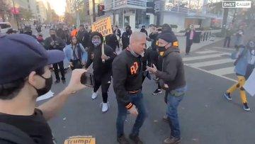 'Antifa' e BLM attaccano manifestanti Trump durante marcia – VIDEO