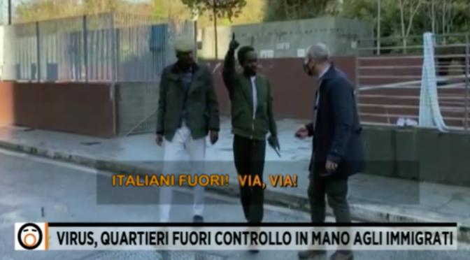 """Immigrati cacciano italiani: """"Andate via, comandiamo noi"""" – VIDEO"""