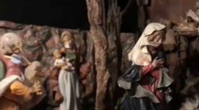 Presepe covidiota: tutti con la mascherina – VIDEO