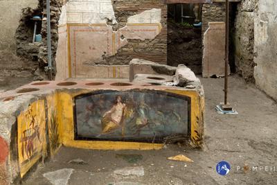 Pompei: ritrovato Termopolio intatto, dove i romani consumavano cibo all'aperto