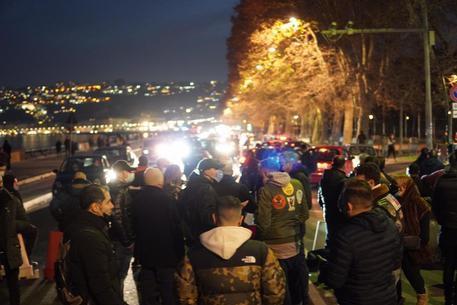 Rivolta a Napoli contro il lockdown – Video