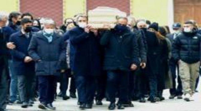 Funerali, Paolo Rossi portato a spalla dagli azzurri di Bearzot – VIDEO