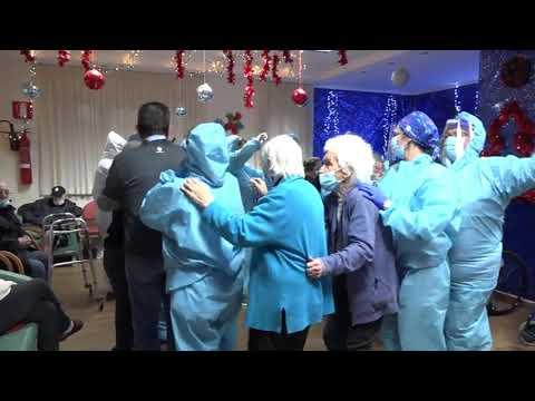 Festa dopo il vaccino e si contagiano tutti in casa di cura – VIDEO