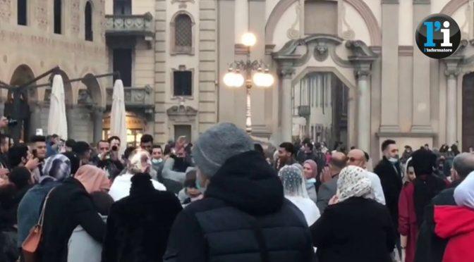 Festeggiamenti in piazza permessi se sei immigrato – VIDEO