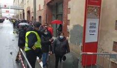 ITALIANI NON POSSONO VOTARE MA GLI IMMIGRATI SI: TUTTI IN FILA PER LE ELEZIONI IN ECUADOR – VIDEO
