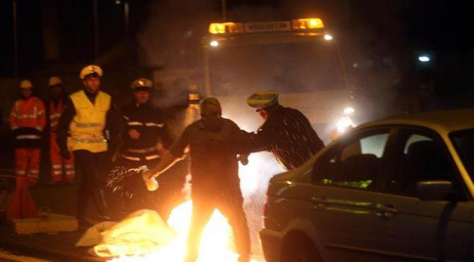 Fugge da centro accoglienza e appicca incendio: terrore sull'autostrada
