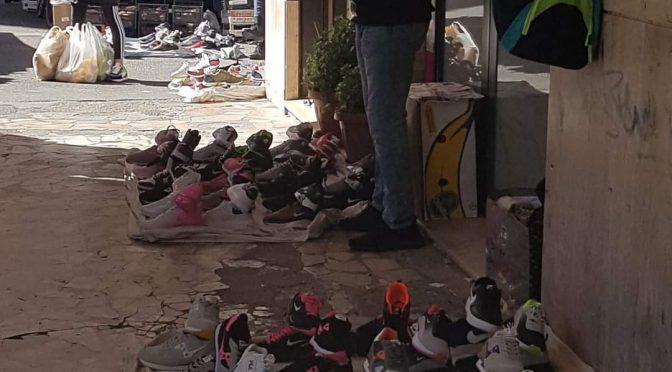 Polizia a caccia di mascherine intanto Mohammed vende merce falsa – FOTO