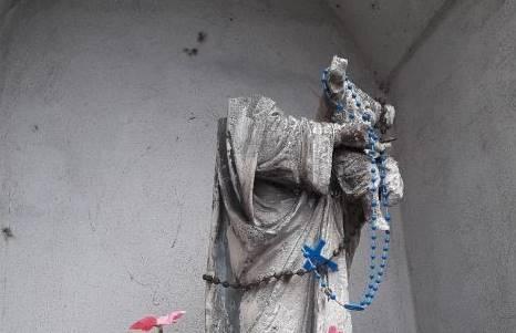 Statue della Madonna decapitate: paura a Lecco