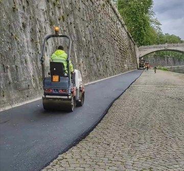 Raggi asfalta il lungotevere – FOTO CHOC