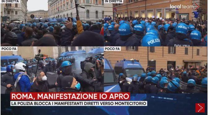 Roma: manifestanti in marcia al grido 'libertà', caricati dalla polizia – VIDEO DIRETTA