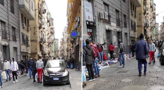 Immigrati vendono merce rubata davanti ai negozi italiani chiusi per covid – VIDEO CHOC