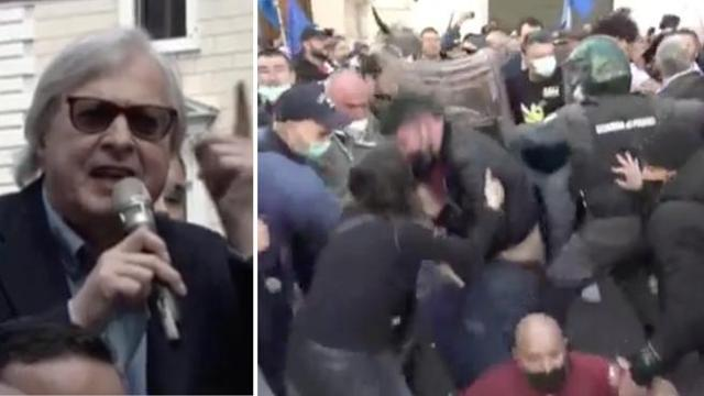 """SGARBI ARRINGA LA FOLLA: """"PROCESSO DI NORIMBERGA PER I POLITICI"""" – VIDEO"""