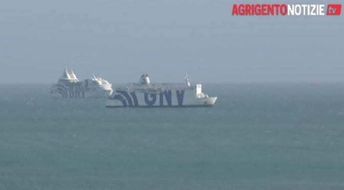 Lampedusa al collasso: arrivano navi da crociera per ospitare 1.000 scrocconi sbarcati