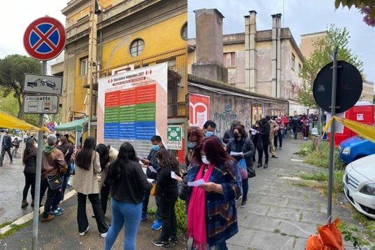 In Italia possono votare solo gli immigrati: peruviani assembrati in zona rossa – FOTO