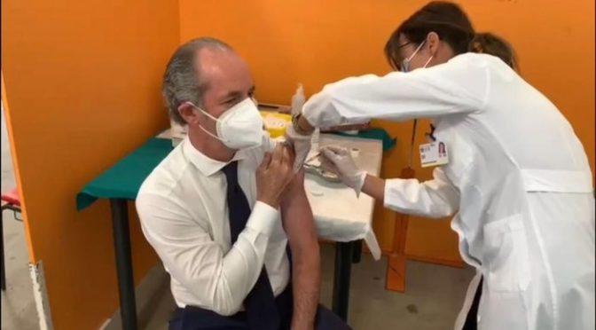 Zaia si è vaccinato con Pfizer: 'ho aspettato il mio turno'