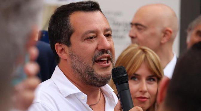 """Voghera, grande Salvini: """"Se espulso lo spacciatore marocchino sarebbe vivo"""" – VIDEO"""