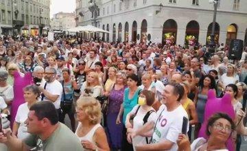 Migliaia in marcia contro il pass sanitario a Trieste
