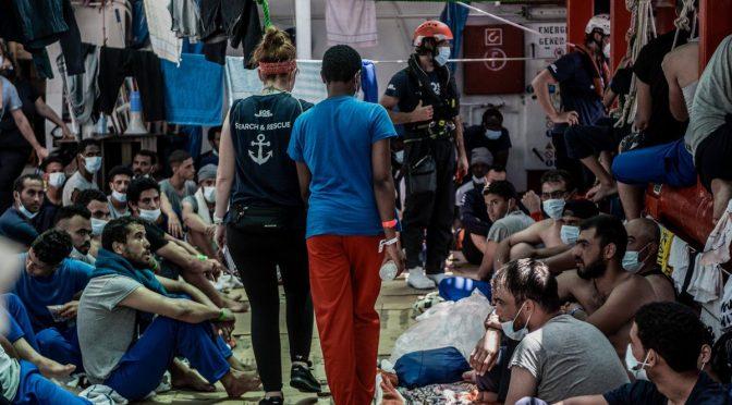 ONG CON 800 SOLDATI ISLAMICI DA SBARCARE IN ITALIA: LE FINANZIANO GLI SCEICCHI – FOTO
