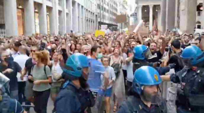 MILANO IN MARCIA PER TRIESTE: LA RIVOLTA DILAGA – DIRETTA VIDEO