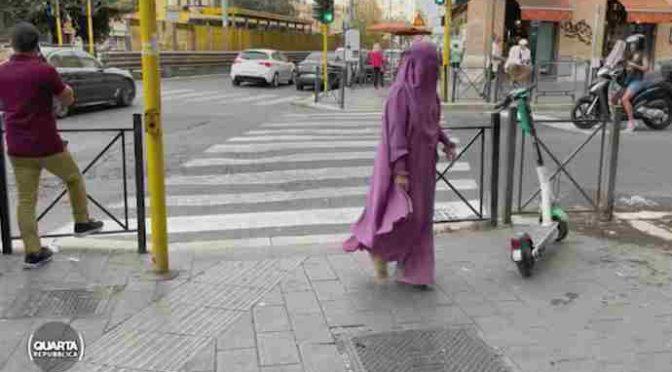 Roma come Kabul: donne in burqa e segregate nel quartiere islamico – VIDEO