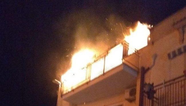 Migrante incendia la casa dove era ospitato a spese dei contribuenti 🔥