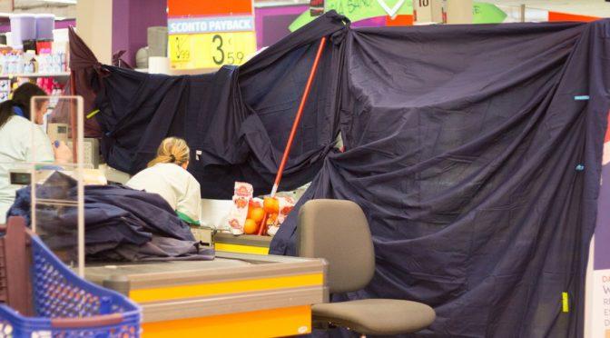Bimbo portato sgozzato al supermercato: madre straniera arrestata, coltello in borsa