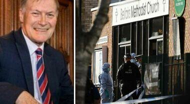 Deputato sgozzato in chiesa da somalo con cittadinanza britannica: è terrorismo islamico