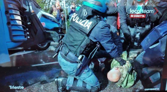 """Mattarella contro i manifestanti: """"Protestano in modo aggressivo"""""""
