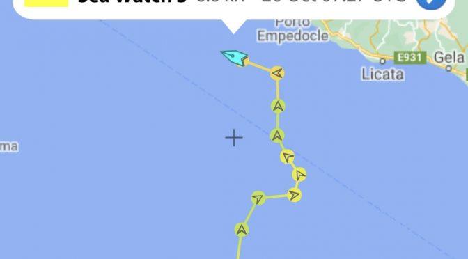 I trafficanti di Rackete sono già in Sicilia con 412 clandestini: tutti senza green pass
