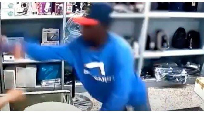 Africano rapina cinese: è l'Italia multietnica – VIDEO