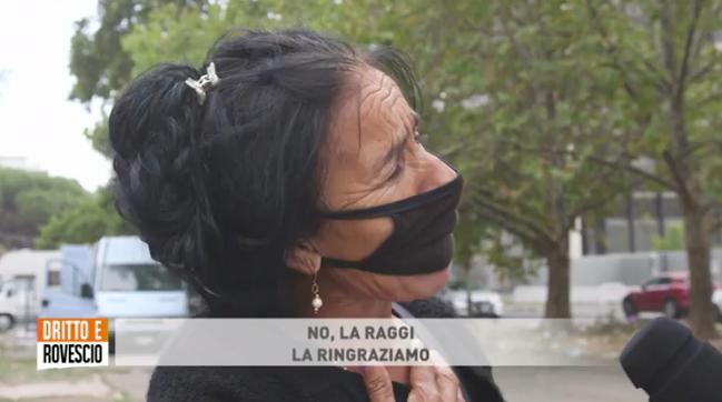"""I rom ringraziano la Raggi: """"Ci ha dato le case popolari e noi rubiamo"""" – VIDEO"""